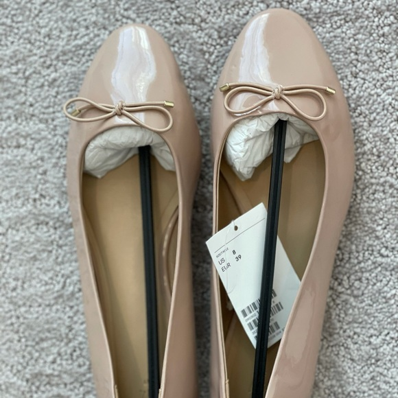 H&M pale pink ballet flats.new with tags. Size 39.